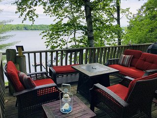 Cozy 3 bedroom, 1 bath, cottage on water with beautiful lake and great fishing