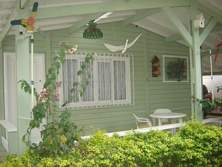 Casa na praia Canasvieiras, Florianópolis, 2 quadras do mar, c/ Wi-Fi gratuito.
