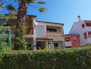 Holiday Apartment 'Blue', 1 km from the beach