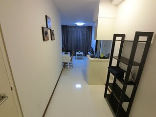 Amazing Spacious 1 Bedroom Apartment Unit * Ochard Rd Near MRT & Shopping RVP2