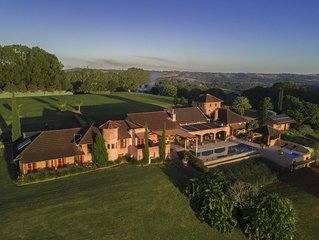 Possum Hill - exceptional hinterland home with pool & hot tub