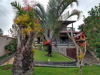 Casa ampla em condomínio, com piscina exclusiva da casa