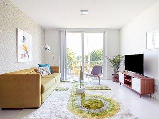 Sonder | Grove 27 | Spacious 2BR + Balcony