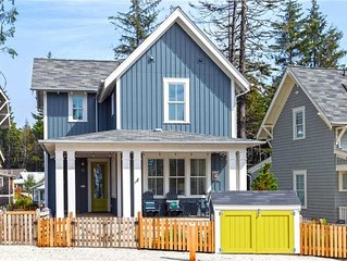 Once Upon A Tide: 4 BR / 3.5 BA seabrook in Pacific Beach, Sleeps 10