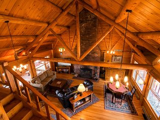 Secluded Private lakefront Log Cabin w/ Panoramic Mt Views