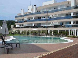 Apartamento tres dormitorios - condominio de alto padrao com piscina e garagem