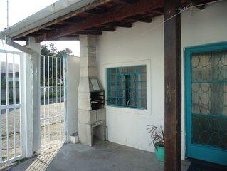 Sunny chales-Casa 1 quarto - pet ok -  Martin Sá  Wi Fi - 350 mts praia ar cond
