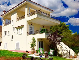 Dion House with garden and Sea View in Nea Makri