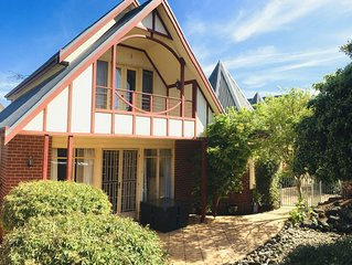 Heart of Geelong Entire 3BR Town house Sleeps 8