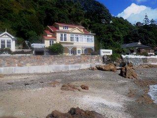 Karaka Bay Beach Apartment