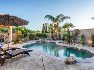 Walking distance to Coachella Pet Friendly w/ heated pool, spa, ping pong, & mor