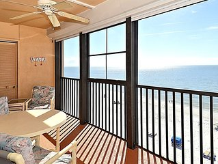 Villa Madeira 609 Top Floor Beach Front/Walk to everything/Beautiful beach!