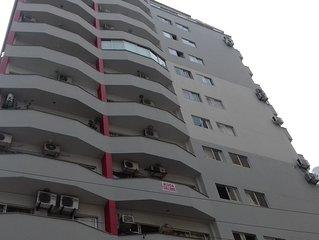 Apto 1 suite mais um quarto-3 ar cond.--centro- frente av brasil