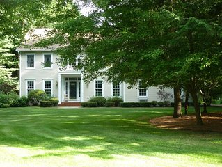 Quiet retreat minutes from racetrack, polo, ****