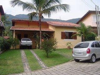 Linda casa Praia da Feiticeira, cond. fechado, 20m do mar, PAGTO 12X SEM JUROS