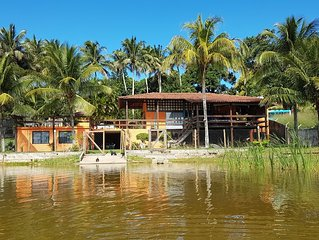 Casa 3 quartos em frente a lagoa de Meaípe - 1 suite