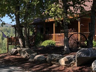 Gorgeous White Mountain Log Home in Franconia - Hike, Bike, Golf, Ski and More!