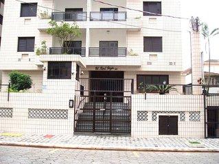 Aconchegante apartamento de 1 dormitório 30 m da praia Lindo Whatts 13-*********
