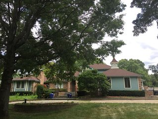 Country Estate Getaway—Close to interstate and Purdue