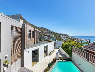 5 Maori Road · Beautiful Llandudno, Sea-facing, 4 Bed Family Home