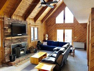 Cozy ski retreat- only 5 minutes to Mount Snow
