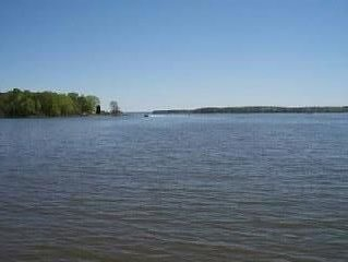 Beautiful view located on a point lot  2 miles from Dreher Is. state park