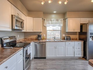 3BDRM Value and Comfort—Cheyenne Mountain Suburbs!