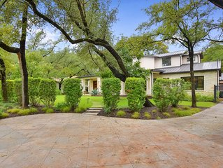 ABOVE OAKWOOD | 3MI to ATX | Up to 8 Bds | Outdoor living space I Private