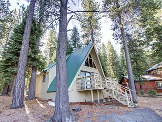 Cozy A-Frame Cabin with Fireplace & BBQ in Woodsy Area Sleeps 6 (COH0653)