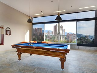 Modern, Aparta-Studio, Poblado Medellin, A/C, Heated Rooftop Pool, balcony