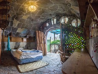 Earthship Cabin Cave apartment with EPIC Lake View