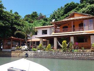 Casa na Ilha do Araújo de frente para o mar com translado incluso!
