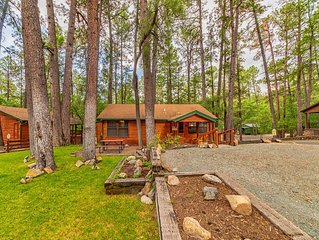 'The Lodge' Cabin in Ruidoso- Bright and Roomy-Plenty of Yard Space for Play