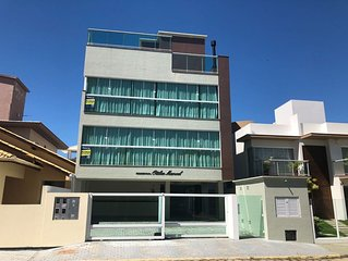 Apartamento de 1 dormitório à 150 metros da Praia de Palmas