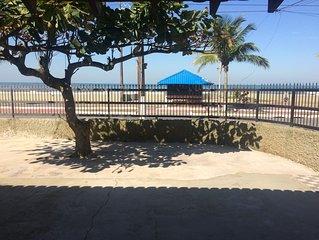 Casa frente praia no centro