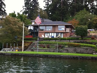 Lake Steilacoom Waterfront Retreat w/Hot Tub