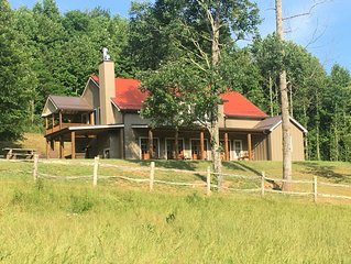 Mountain Farmhouse, convenient location & family farm