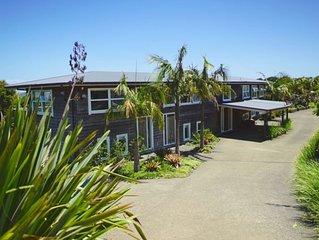 The Waiheke Lodge - Luxury for 22