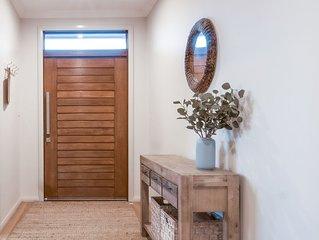 Beautiful, spacious, stylish house with stunning views + dog friendly