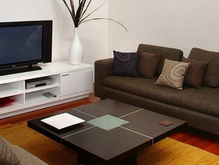 Sol Apartment - Stylish Apartment in Town