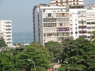 Belo apto com vista para Praça Gal Osório e junto a praia  Ipanema