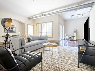 Sonder | Ballpark Lofts | Bright 2BR + Pool