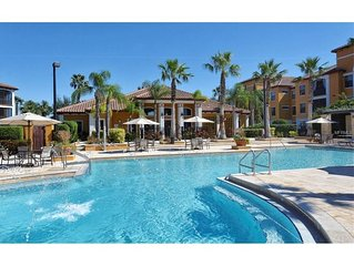 Luxury resort-style 2 Br 2 Bath, pool, tennis court, parking, gym, fountain lake