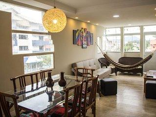 Amplo apartamento - 3 dormitórios com terraço em Canasvieiras
