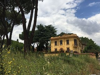 Villa apartment in the archaeological park of Appia Antica close to Colosseum