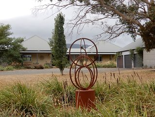 Secluded Macedon Ranges getaway with stunning views, close to Woodend township.