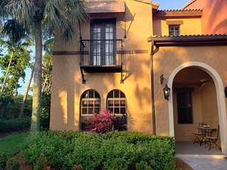 Beautiful 3 bedroom Townhouse in Ole at Lely Resort .3 miles from Village Center