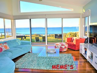 Meme's Callala Beach- ABSOLUTE BEACHFRONT-Air Condition,Free WIFI &  Netflix-