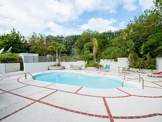 FALL SPECIAL!! Large Home With Beautiful Views & Pool Close To Beaches And More