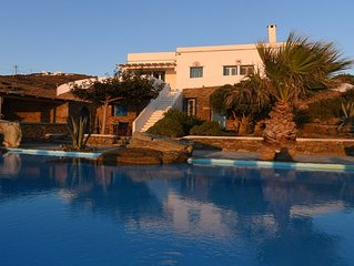 SEAFRONT PROPERTY WITH LARGE PRIVATE POOL